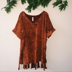 Zenana Outfitters Top with Frayed back sz 2x
